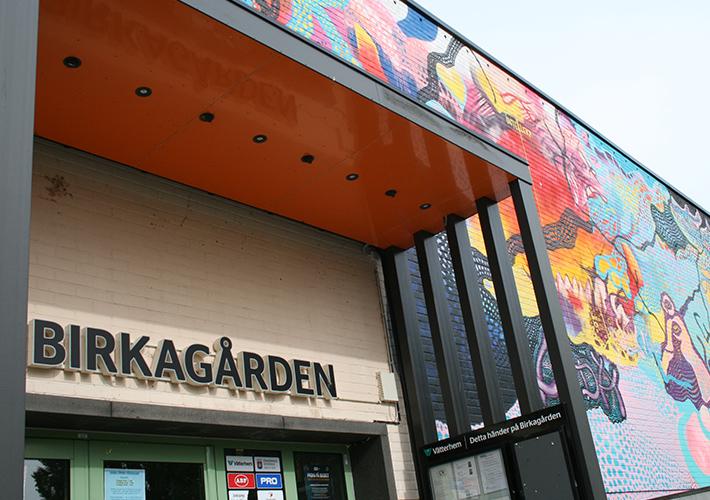 Graffiti på Birkagårdens fasad