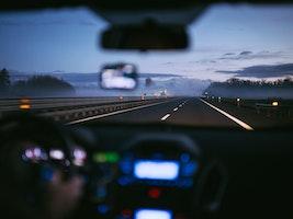 Lär dig svenska och trafikkunskap