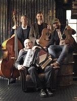Club Frifolk presenterar Bo Lyckligs Gammeldansorkester